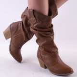 Brown-Tound-Toe-Cowgirl-Boots