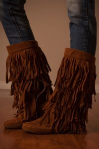 Cute Fringe Wedge Boots in Brown