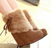Stylish Women's Snow Boots with Suede
